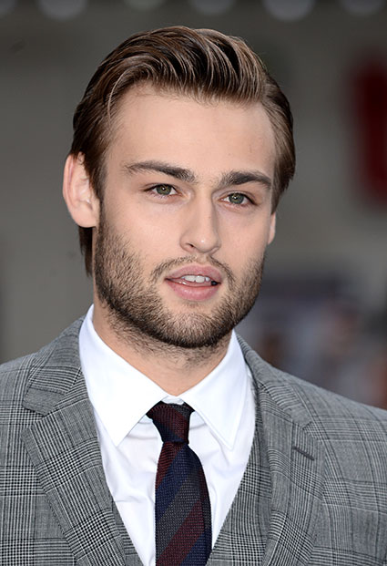 Douglas Booth at Noah premiere - Douglas Booth images - sugarscape.com